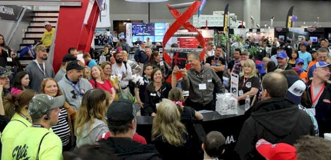Yokohama Tire Corporation will Hold $5K Vacation Giveaway Contest at Mid-America Trucking Show